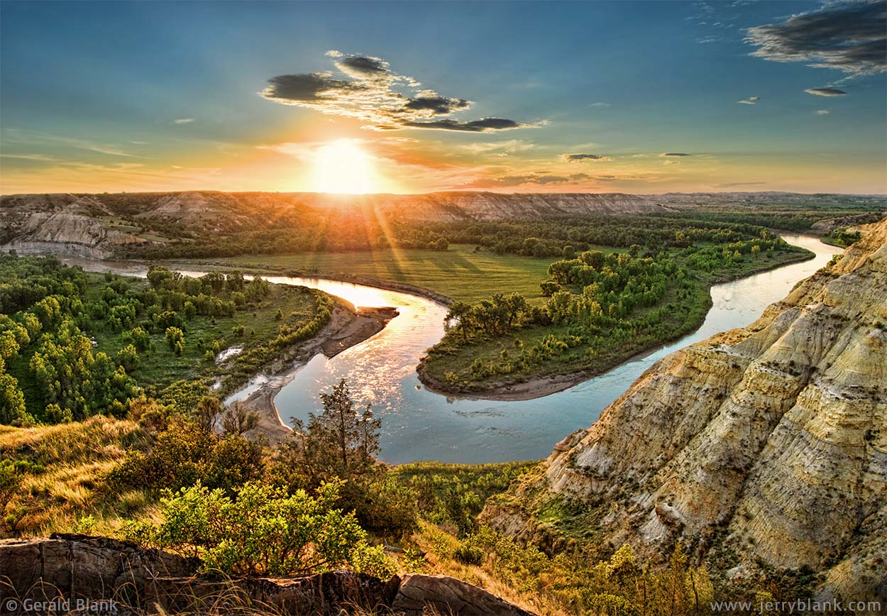 #04820 - A perfect sunset over the Little Missouri River, McKenzie County, North Dakota - photo by Jerry Blank